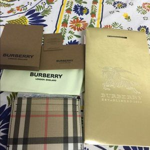 NEW AUTHORITY BURBERRY COIN CASE WITH CARD CASE